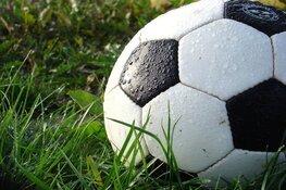 Scheidsrechter voelt zich bedreigd: Dynamo-Woudia gestaakt