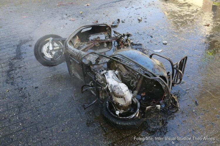 Scooter volledig uitgebrand in Obdam