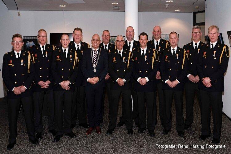 Maar liefst twaalf brandweervrijwilligers Koninklijk onderscheiden