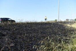 Afrit A7 (Hoorn-centrum) afgesloten na grote bermbrand
