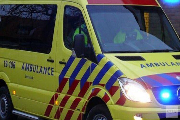 Gewonde bij ongeval tussen bestelbus en vrachtwagen in Ursem